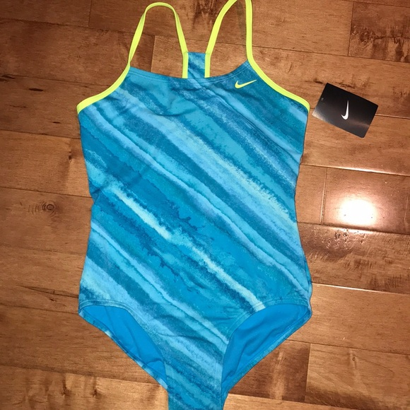Nike Other - NWT Nike Crossback One Piece Swimsuit